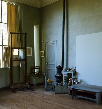 Inside the Atelier De Cezanne.